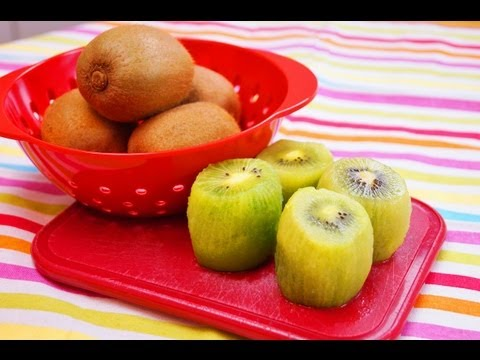 How To Peel A Kiwi With a Spoon: Easy! Cut and Peel: Diane Kometa-Dishin' With Di Video #73
