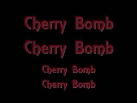 The Runaways- Cherry Bomb lyrics (by Dakota Fanning and Kristen Stewart) ORIGINAL SOUNDTRACK