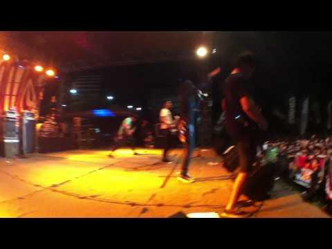 Download lagu baru Jacobs In The Trunk - Intro + Jokes (Crooz Indonesian Tour MMXI, Surabaya) online