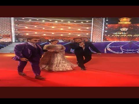 In Graphics: Mumbai: Film Stars dancing with Mumbai Police in bollywood night 'Umang'