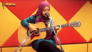 Video Najwa Latif - BIAR   Live at IIUM.fm download MP3, 3GP, MP4, WEBM, AVI, FLV September 2017