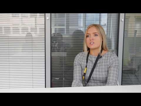 Laura Pearson  - Digital Marketing