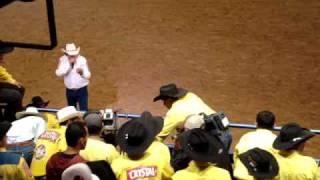 Néinha - Montaria em Touros - Jaguariuna Rodeo Festival 2009