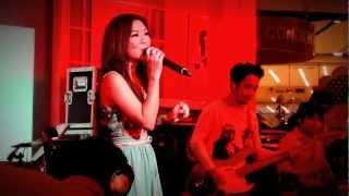 """""""มันคือความรัก"""" by ลุลา (Lula) @ """"Shokubutsu 4D Like Concert"""""""