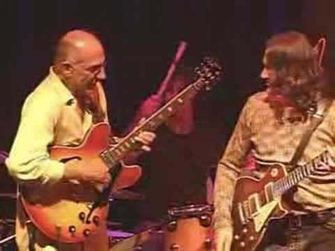 """Cold, Cold"" - Larry Carlton and Robben Ford"