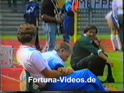 Michael Preetz genießt Platzsturm bei Fortuna Düsseldorf Bundesliga-Aufstieg 1989