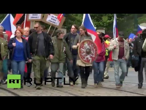 Czech Republic: Anti-Islam protesters march through Prague