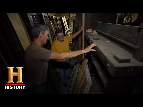 American Pickers: Mike Stands in Awe of an Architectural Salvage (Season 18) | History