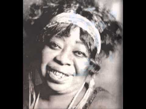 Gertrude 'Ma' Rainey - Black Cat, Hoot Owl Blues