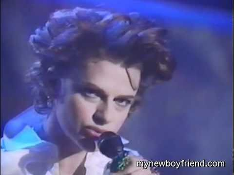 Sandra Bernhard - Cruel War (Peter, Paul & Mary cover)