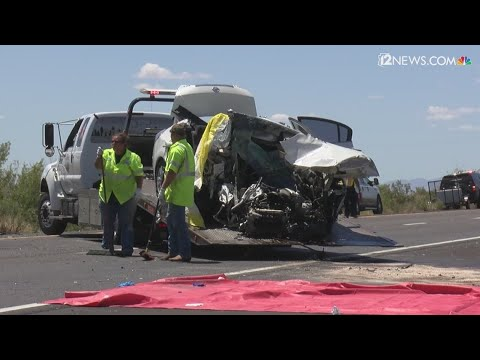 5 people killed in wrong-way crash on I-40 near Kingman