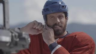 vuclip Behind the scenes: Shea Weber races a horse