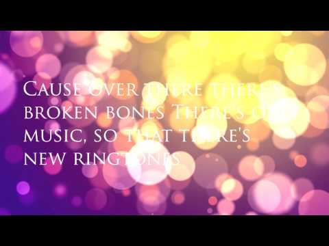 A Certain Romance Lyrics - Arctic Monkeys (Acoustic)