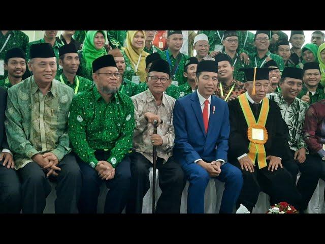 JOKOWI HADIRI PENGUKUHAN GURU BESAR KETUA UMUM PERGUNU DAN INGATKAN BAHAYA EXTRIMISME DI INDONESIA