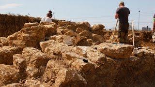Археологи добрались до каменной кладки кургана на «Госпитале»