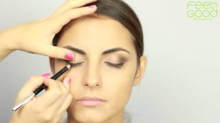 видео Макияж для карих глаз и светлых волос