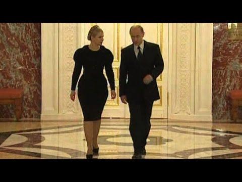 Perché Putin cammina da 'pistolero'? Tutta colpa del Kgb