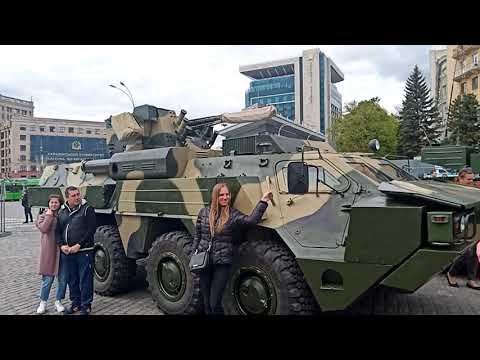 9  мая 2021г.День Победы! Харьков площадь Свободы,выставка военной-ретро техники.