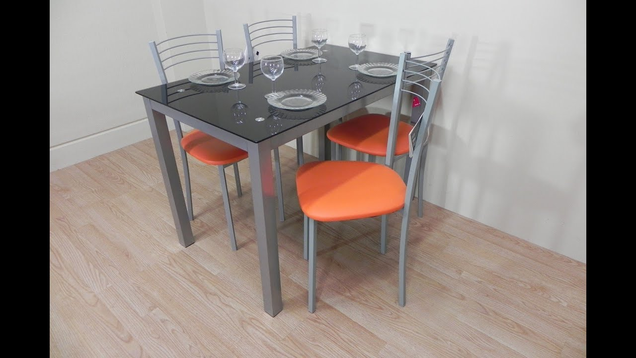 Pack mesa de cristal y 4 sillas blancas o naranja polipiel for Sillas de madera modernas para cocina