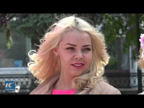 Parade of blonds held in Russia's Nizhny Novgorod