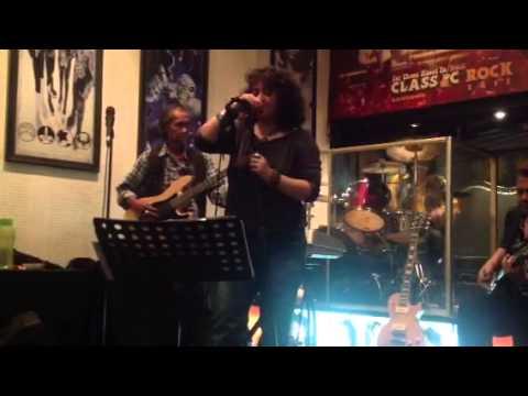 Livin' Lovin' Maid ( Led Zeppelin cover ) - ESSEX Band