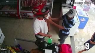 BOCA DE ZERO NOVE - Veja bandidos assaltando mercadinho