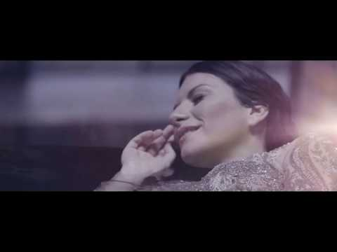 Laura Pausini - El valor de seguir adelante feat Biagio Antonacci (Official Video)