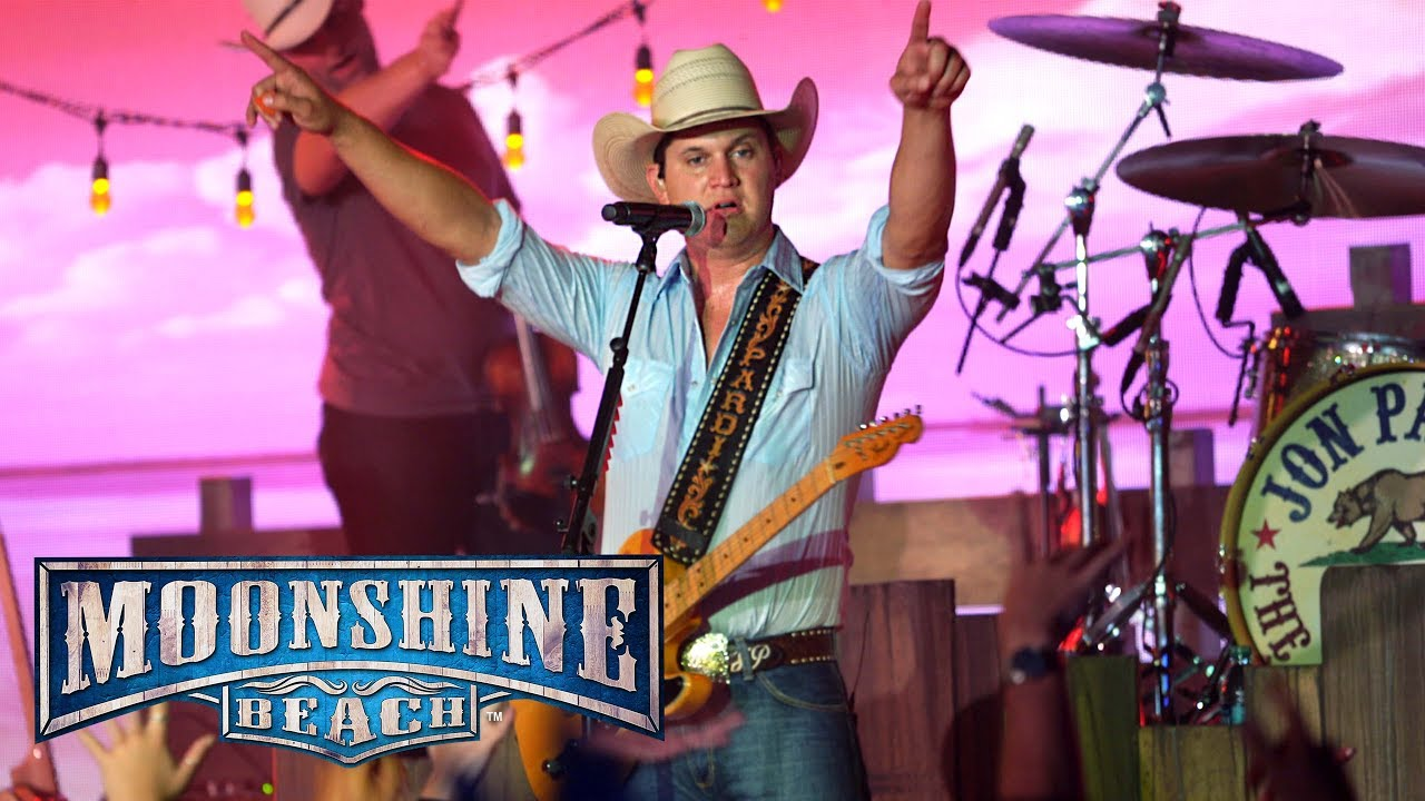 Jon Pardi Performs LIVE in San Diego at Moonshine Beach