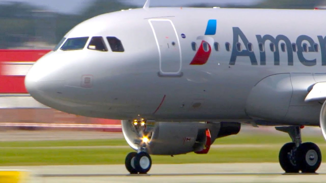 New American Airlines A319 Landing Close Ups Take Off
