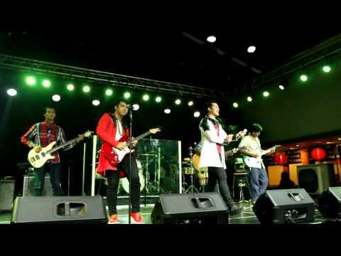 Cinta Pertama (DUO RI Feat RI Brothers)