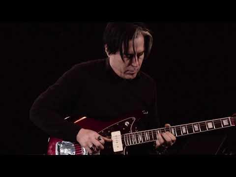 Troy Van Leeuwen loops with Ditto X2