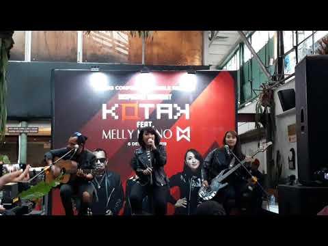 Download Kotak feat. Melly Mono - Terbang Accoustic Version Mp4 baru