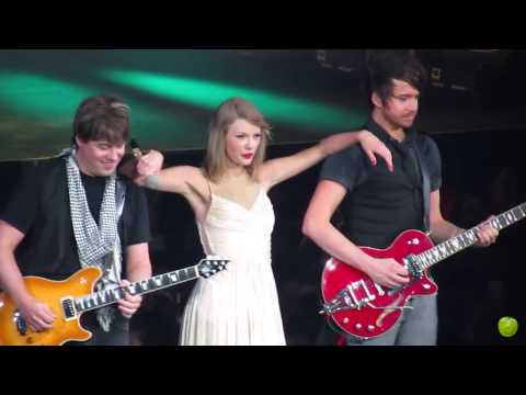 Taylor Swift Red Tour Manila Philippines - Love Story