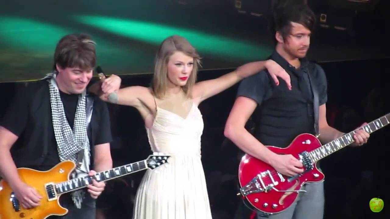taylor swift red tour manila philippines love story