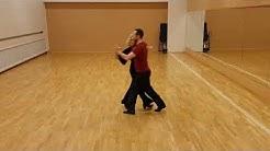 Ballroom tangon vasen käännös seuratanssina