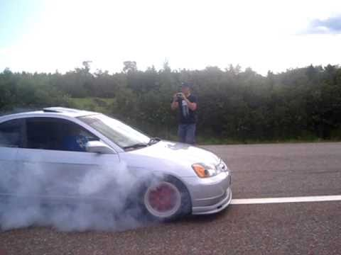 2003 Honda Civic Si burn out