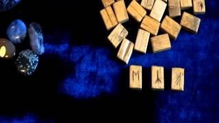 видео Значения рун в гадании на отношения и любовь