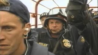 In The Line Of Duty: Ambush In Waco Trailer 1993