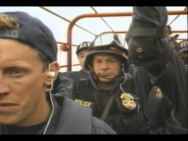 In The Line Of Duty: Ambush In Waco Trailer 1993