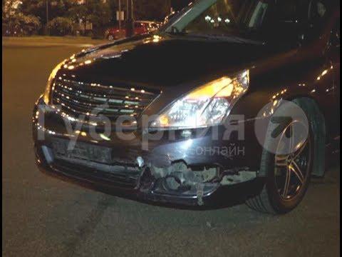 Байкер пострадал в ДТП с иномаркой  у Комсомольской площади в Хабаровске.  Mestoprotv