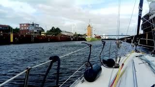 Nord-Ostsee-Kanal Einfahrt in die Kieler Schleuse