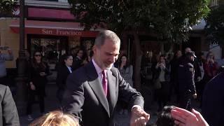 Sevilla recibe a los Reyes, Felipe VI y Letizia Ortiz, entre aplausos