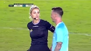 Futbolcular İle Hakemler Arasında Yaşanmış Komik ve Sıcak Anlar - Bunları Görmen Gerek...