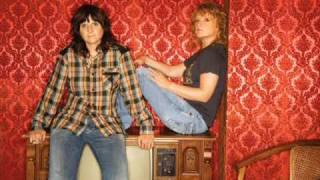 Watch Indigo Girls I Believe In Love video