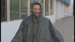 видео Как выбрать плащ-дождевик