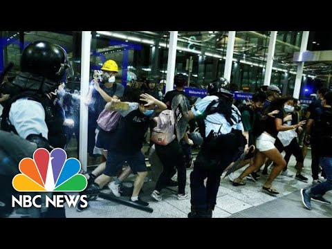 Police And Protesters Clash At Hong Kong Airport | NBC News