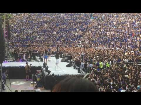 [FANCAM] 170520 BLACKPINK (블랙핑크) - Playing With Fire (불장난) @ Yonsei University AKARAKA Festival