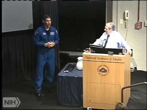 Astronaut, Col. Mike Hopkins, visits the NIH