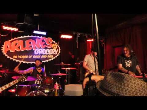 Mule Kick (Frank Ferrer) at Arlene's Grocery + Dizzy Reed (07-19-17) (Guns N' Roses)