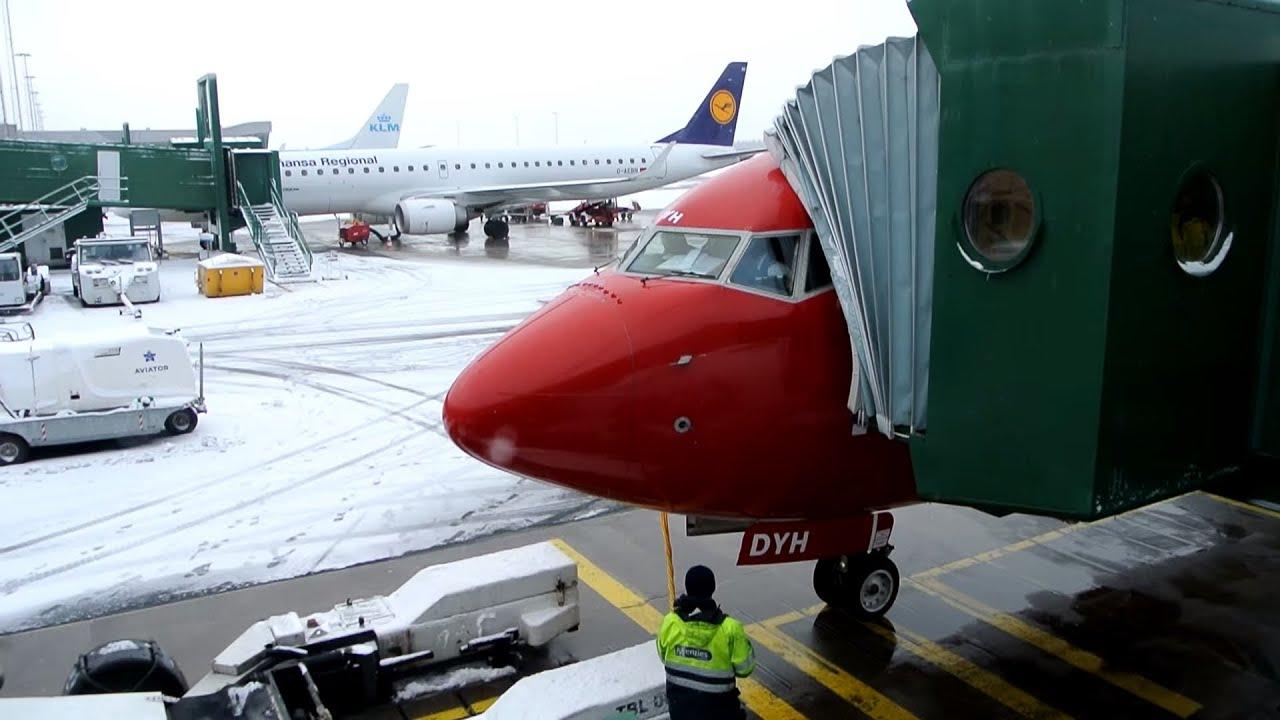 Front row seat Norwegian ✈ Boeing 737 800 [LN DYH] ✈ Gothenburg Stockholm ✈ 21 JAN 2015